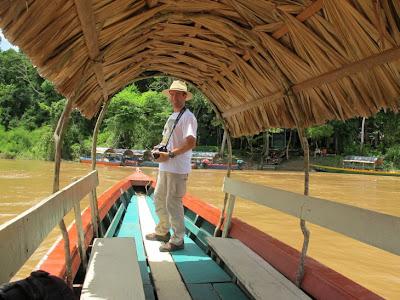 En piragua hacía las ruinas de Yaxchilán, selva lacandona de México