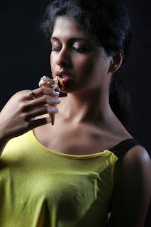 Ice cream 2 heroine Naveena  stills 018.jpg