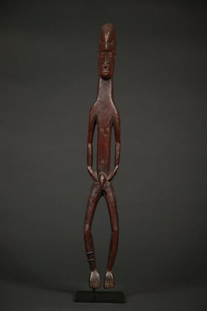 Imag-7_cultura-figura-tallada-melanesia