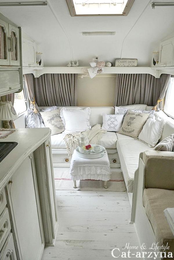 More vintage campers cozy little house for A l interieur trailer