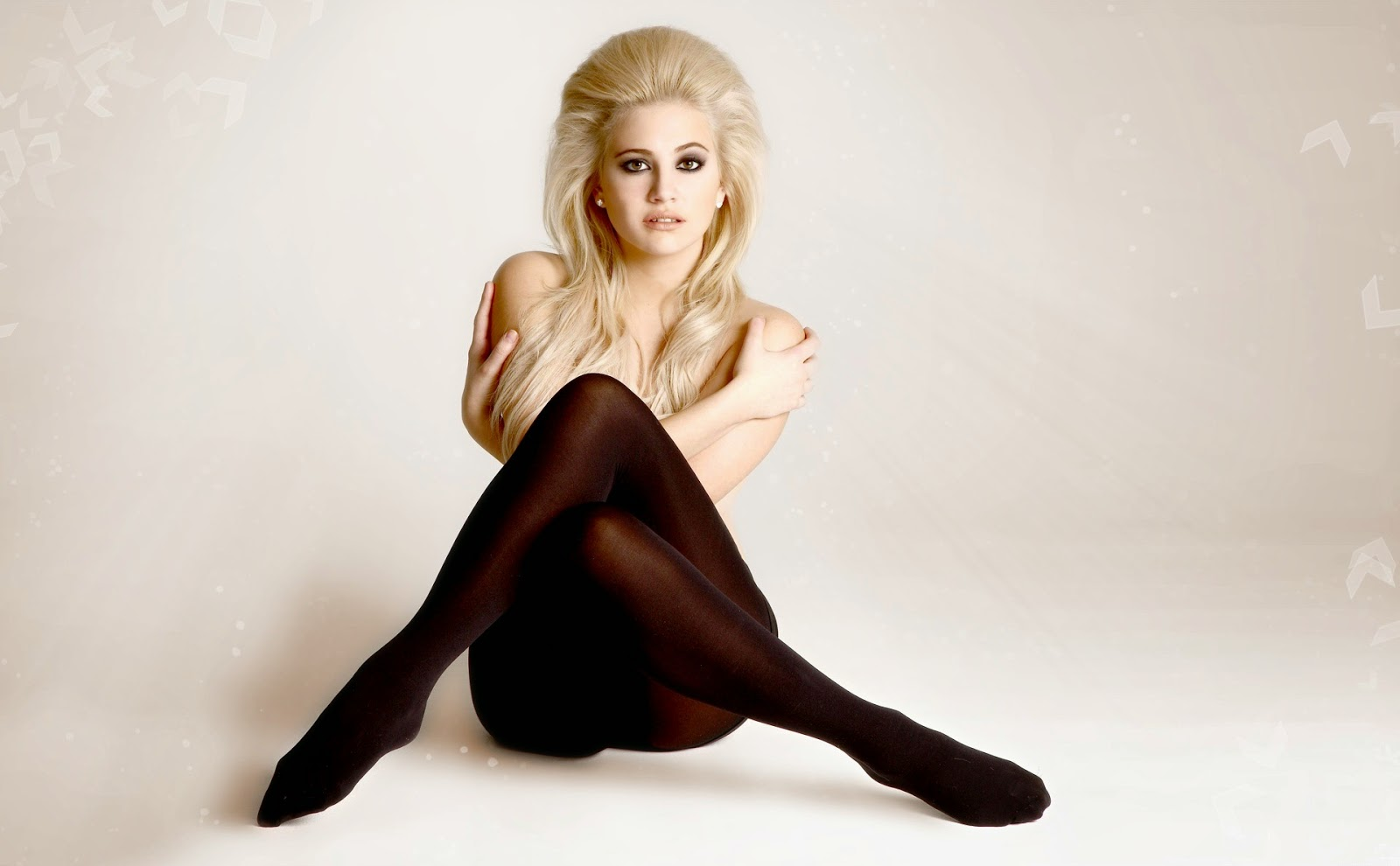 Hot Pixie Lott nudes (61 foto and video), Topless, Cleavage, Selfie, swimsuit 2015
