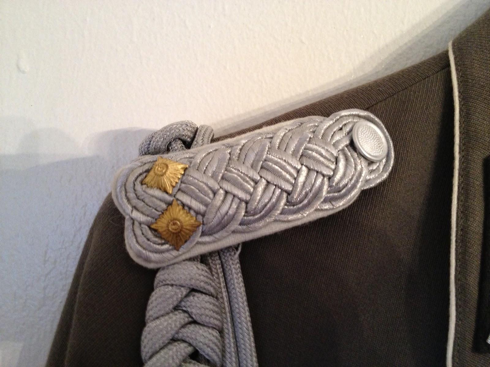... Landstreitkräfte Paraden/Dienstuniform - German Democratic Uniform
