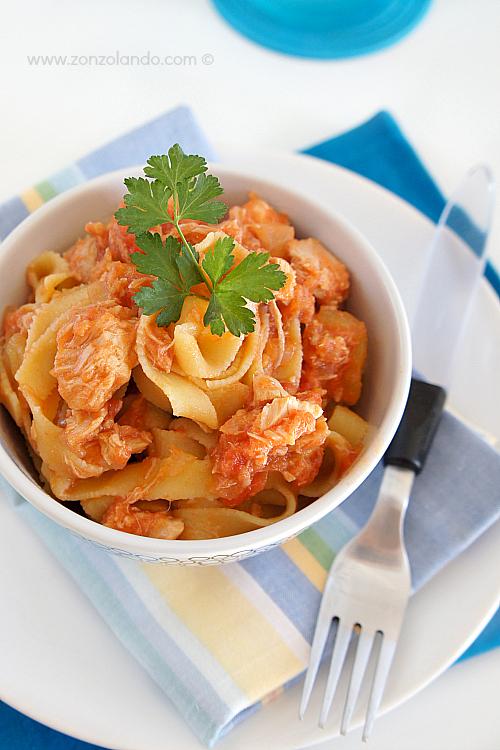 Tagliatelle al tonno ricetta passo passo - Tagliatelle with tuna sauce recipe for dummmies