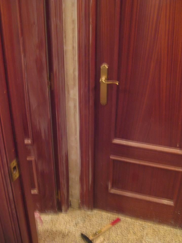 KP decor studio: AyD puertas lacadas en blanco ** BaA white doors