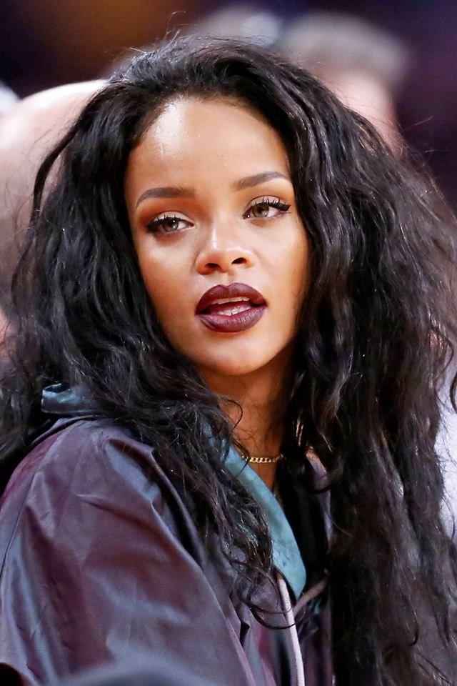 13 canciones de Rihanna que lograron encabezar la cima del Billboard Hot 100.