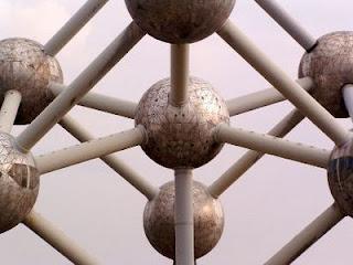http://1.bp.blogspot.com/-oUYEIUp609w/UDn__nN34sI/AAAAAAAAYbQ/PXI3SOfQNH0/s1600/epta-diskopothra-fysikhs.jpg