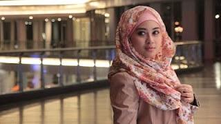 Kata Mutiara Islami Tentang Sifat Tamak Dan Kikir Inggris-Indonesia Terbaru