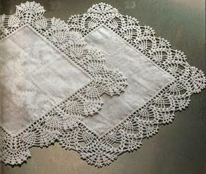 Lo spazio di lilla schemi di bordi crochet con angoli for Schemi bordure uncinetto per mensole
