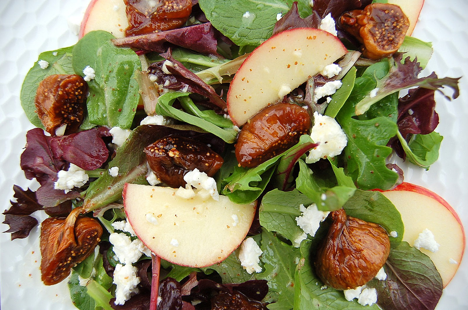 Sauteed Fig & Goat Cheese Salad for 2