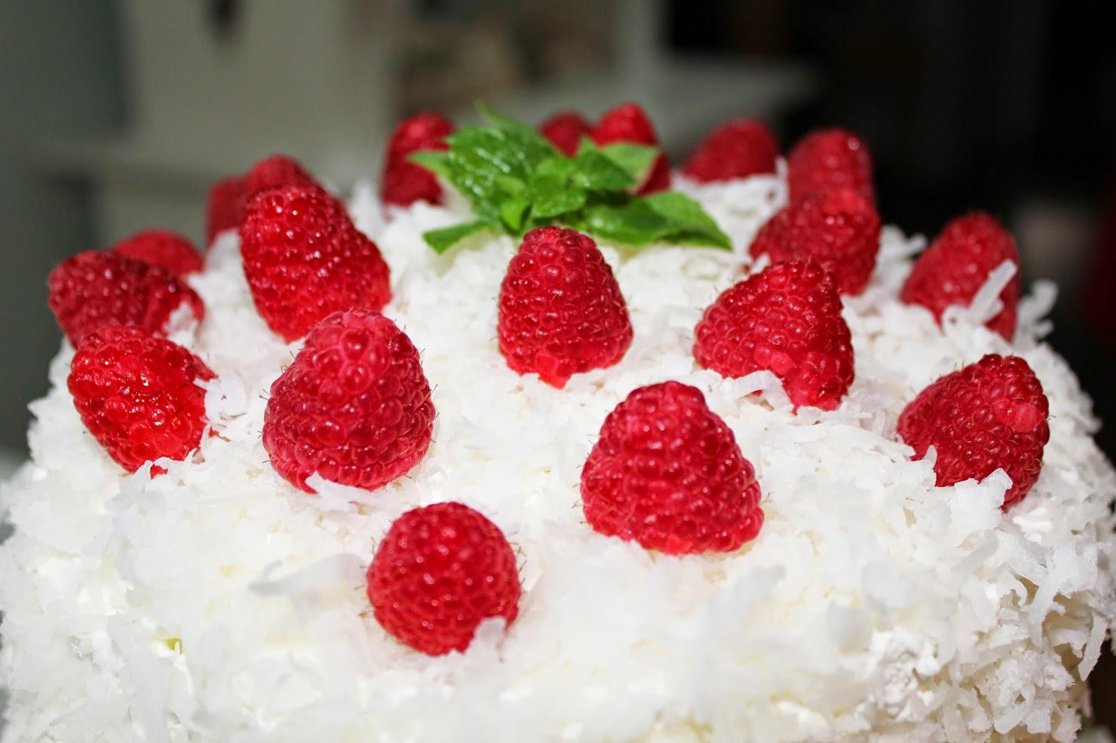 http://savvyentertaining.com/2012/12/21/coconut-cake/