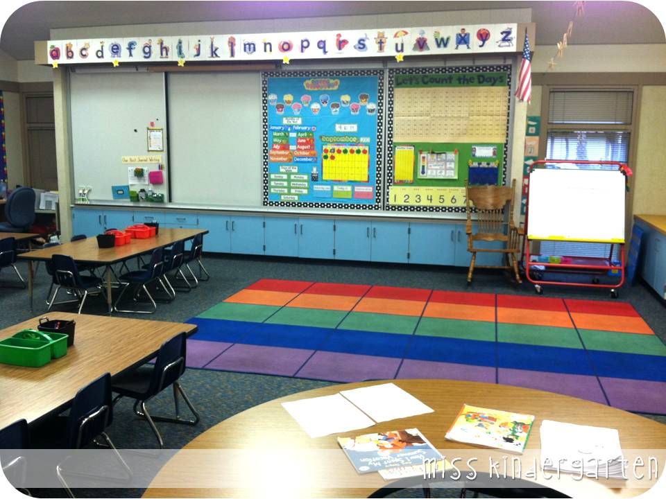 Classroom Block Design ~ The first week of school and classroom pictures miss