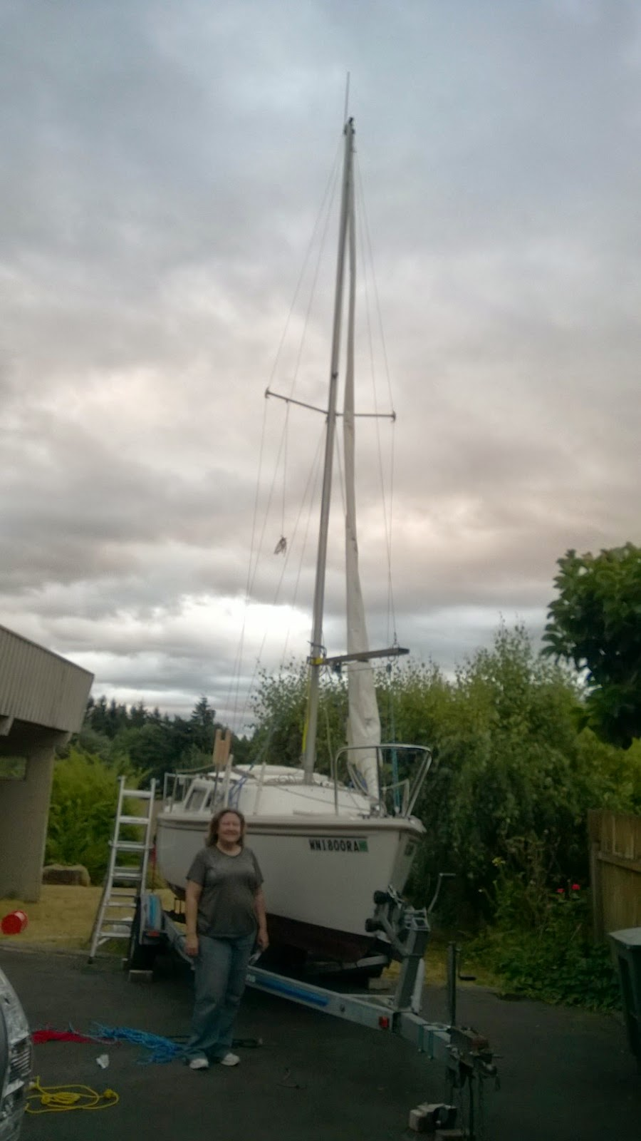 Catalina 22 with the mast raised