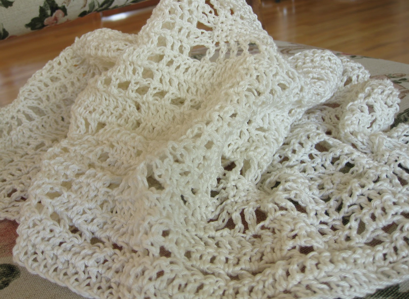 alipyper: Crochet Heirloom Baby Blanket