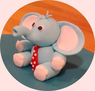 Sugarpaste elefant