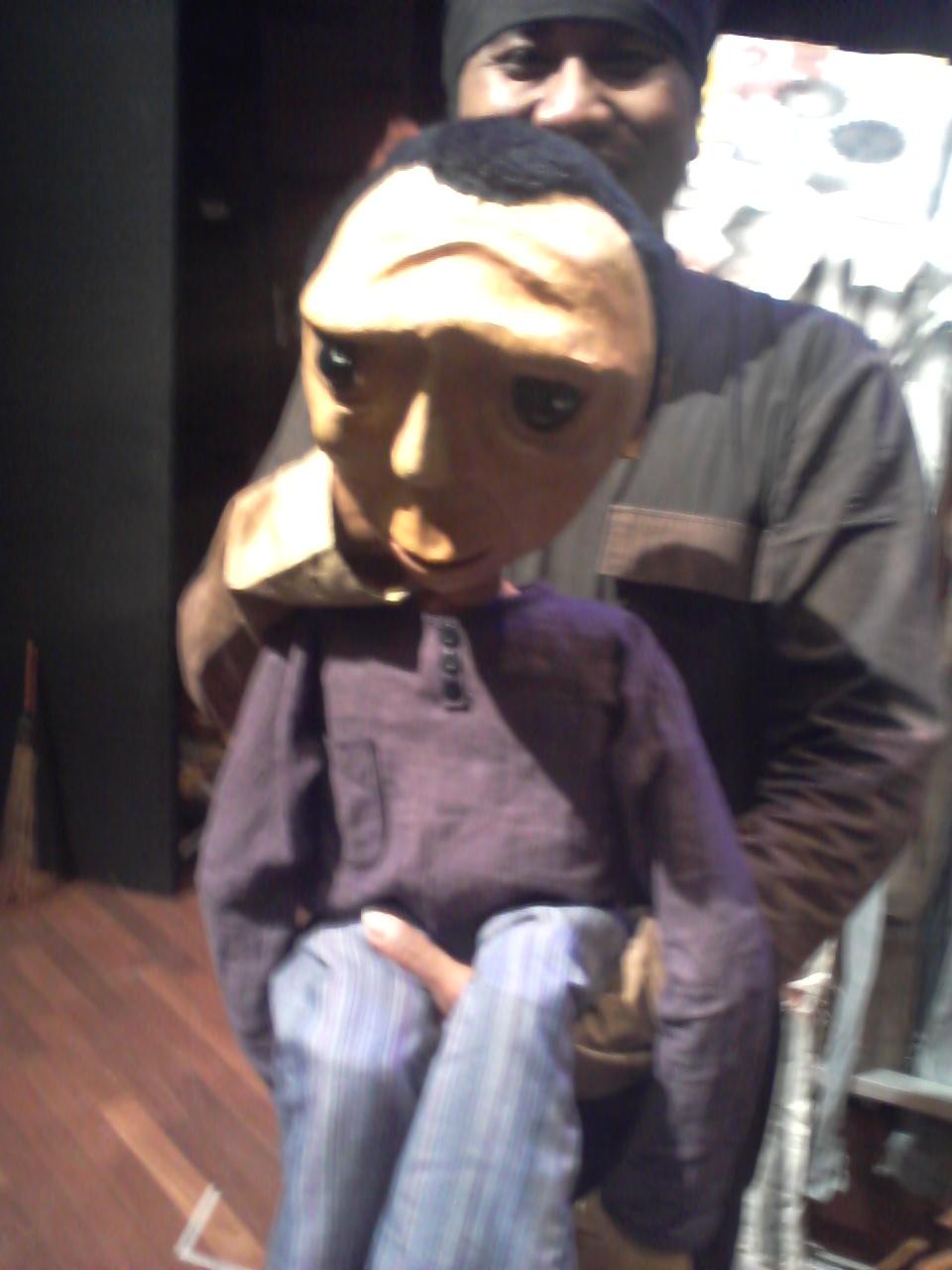 Mwathirika Boneka Panggung Orang Anak Laki Anton Haki