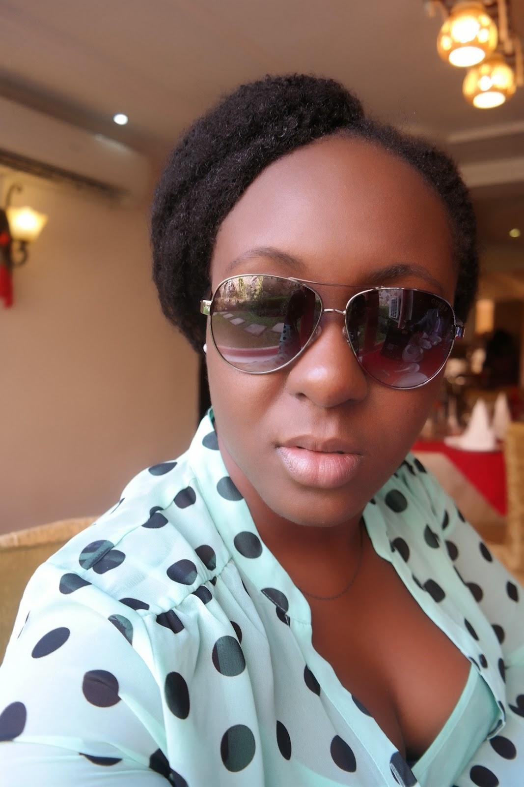 berry dakara, guess sunglasses
