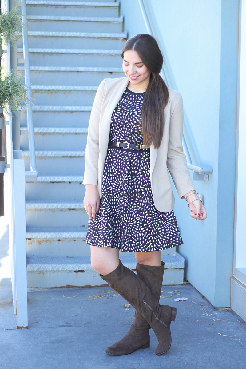 fall work outfit with beige blazer