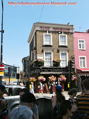 Tipical pub in Camden High Street. Pub típico en Camden High Street.