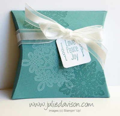 Stampin' Up! Quick Gift Packaging: Snowflake Christmas Square Pillow Box with Flurry of Wishes #stampinup #christmas www.juliedavison.com
