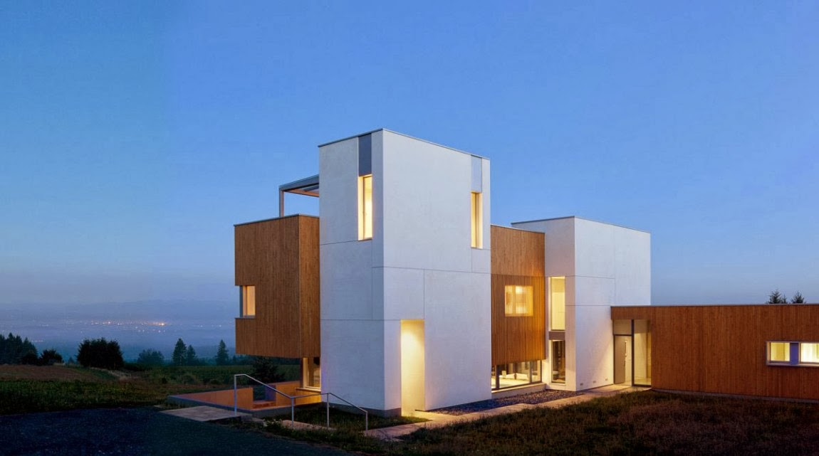 Luxury Residential And Minimalist Karuna House By Holst