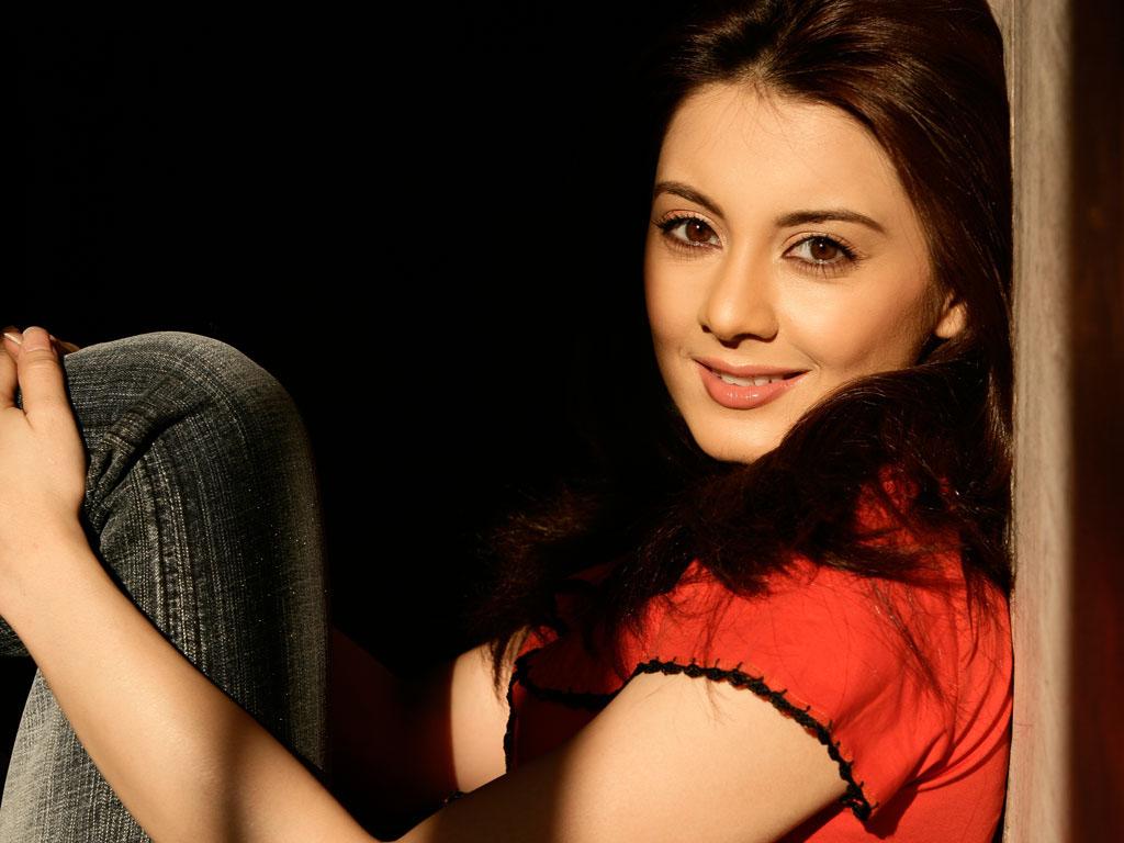 most beautiful bollywood actresses closeup pics and wallpapers ~ hd
