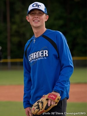 http://1.bp.blogspot.com/-oWZiT8spiyI/T06ZD6JgPrI/AAAAAAAABvg/P4gXiI77vb0/s1600/garner-baseball-scotty-mccreery.jpg