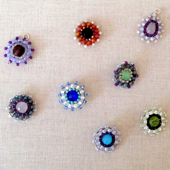 Cute beaded flower charms - Look easy to make, DIY from Lisa Yang's Jewelry Blog