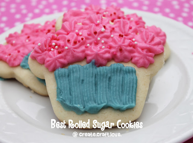 Best Rolled Sugar Cookies via createcraftlove.com #recipe #dessert #sugarcookies