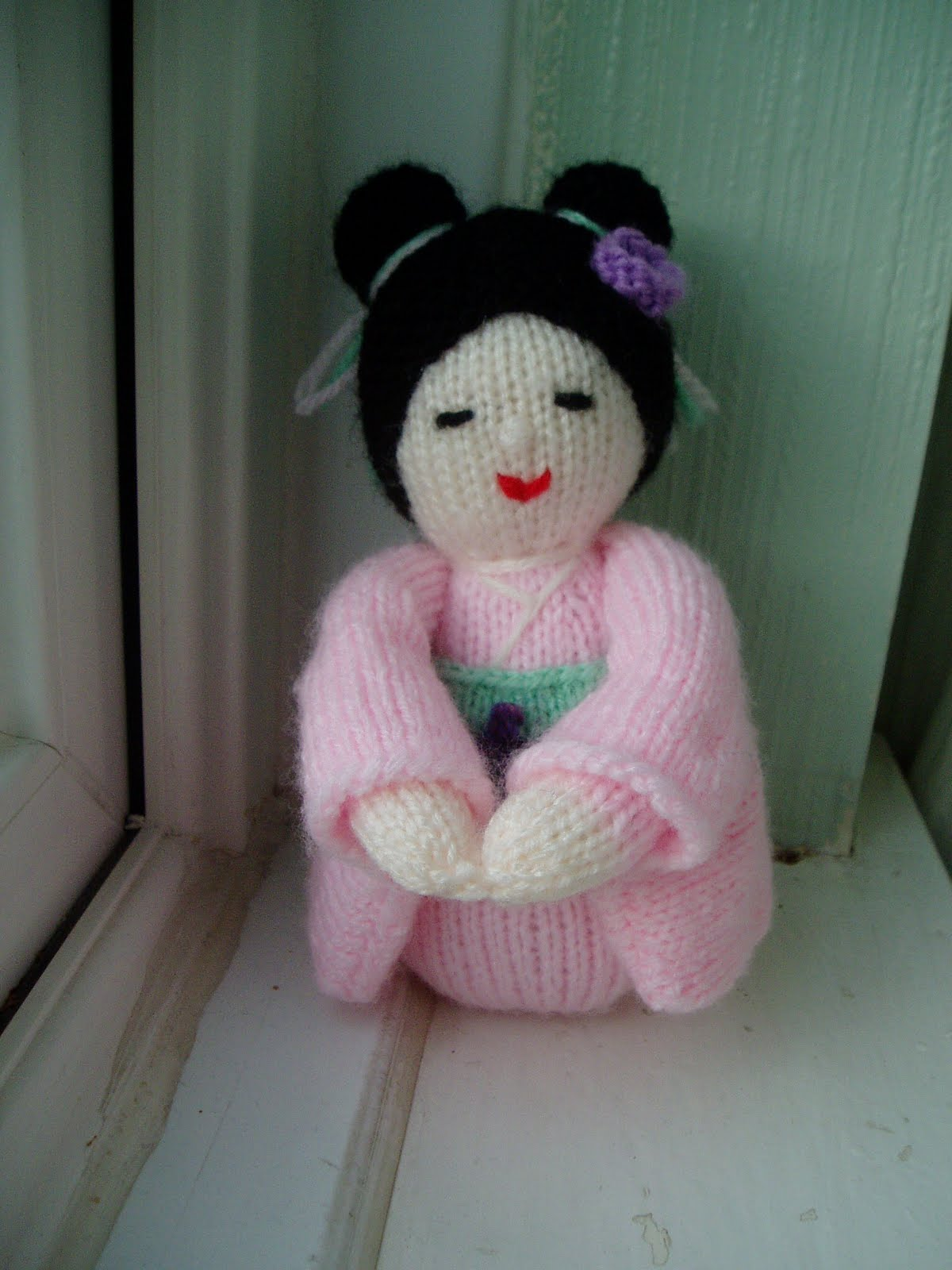 Kokeshi Doll Knitting Pattern : Miss Aine: Kokeshi Doll