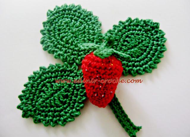 morangos com folhas e caules em croche com edinir-croche coleção aprendi e ensinei dvd video aula blog loja