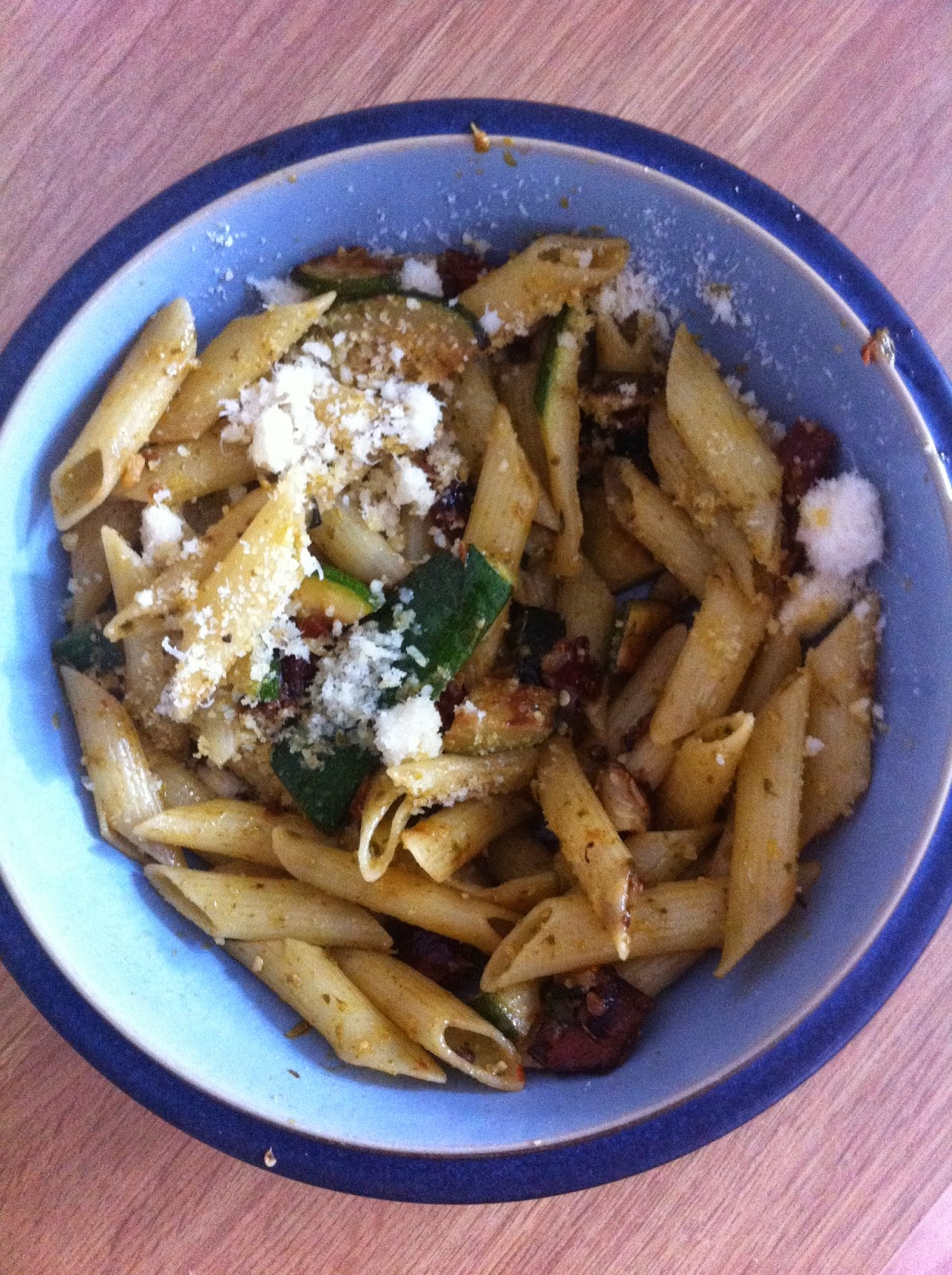 courgette and sundried tomato pasta