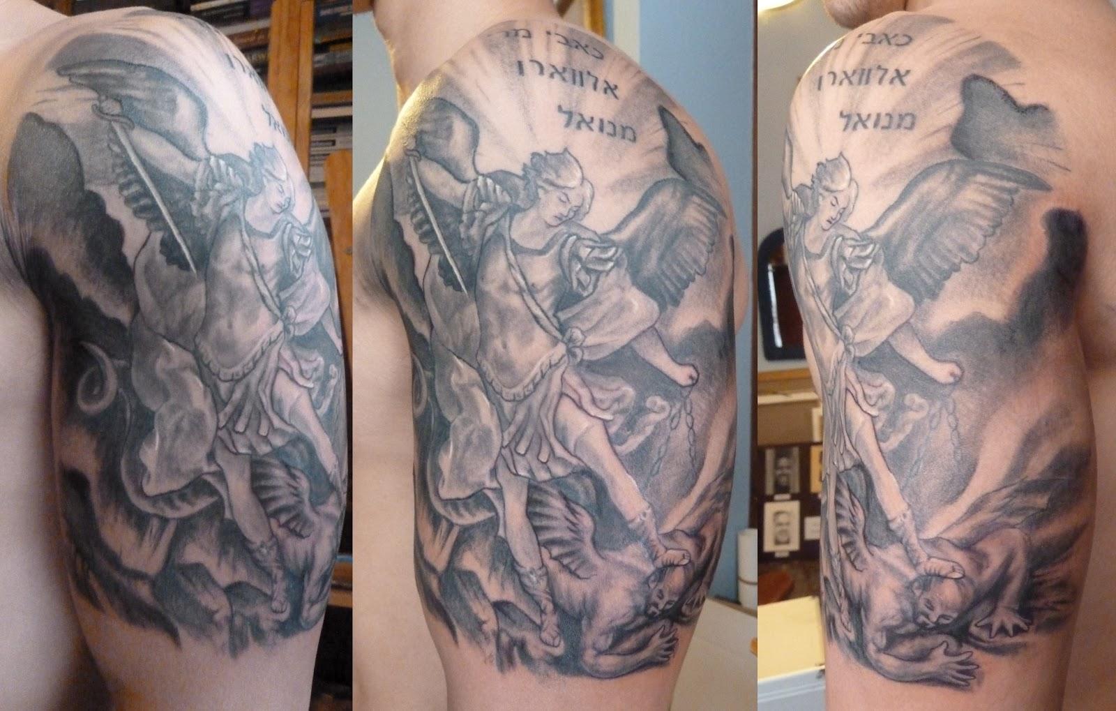 Arcangel Tatuajes alejandro pérez morilla: tatuaje arcangel matando al demonio.