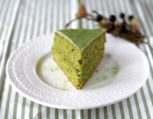 Healthy Matcha Almond Cake with Matcha Frosting - Desserts with Benefits