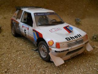 diorama de rally con peugeot 205 evolucion 2