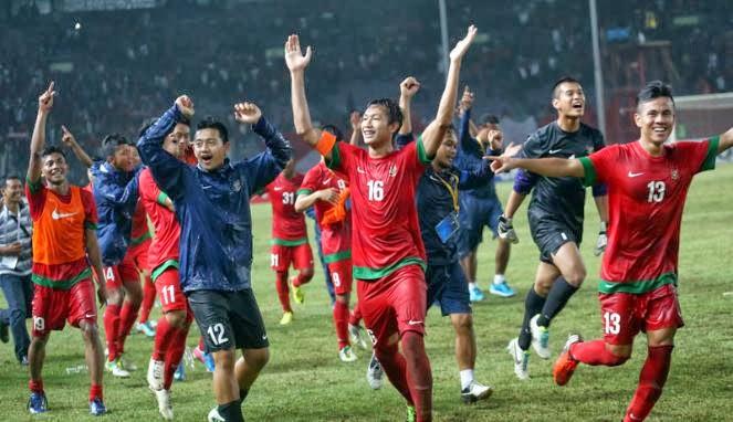 Timnas Indonesia U-19 merayakan kemenangan