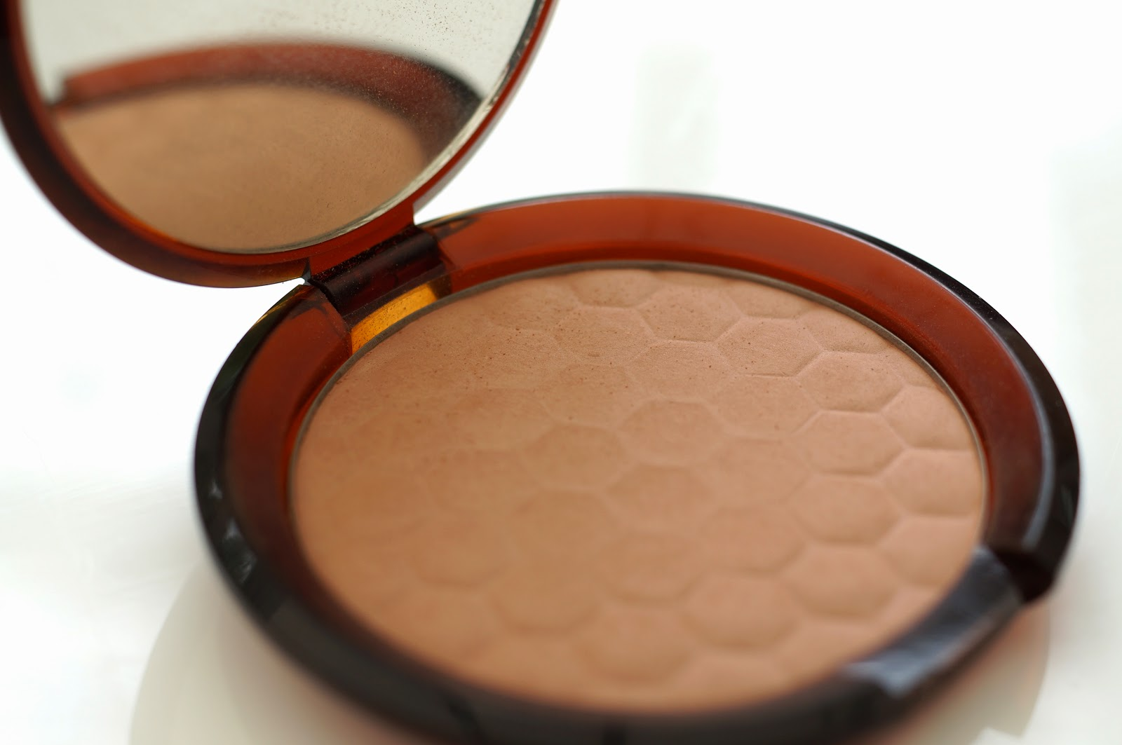 Honey Bronze Bronzing Powder The Body Shop