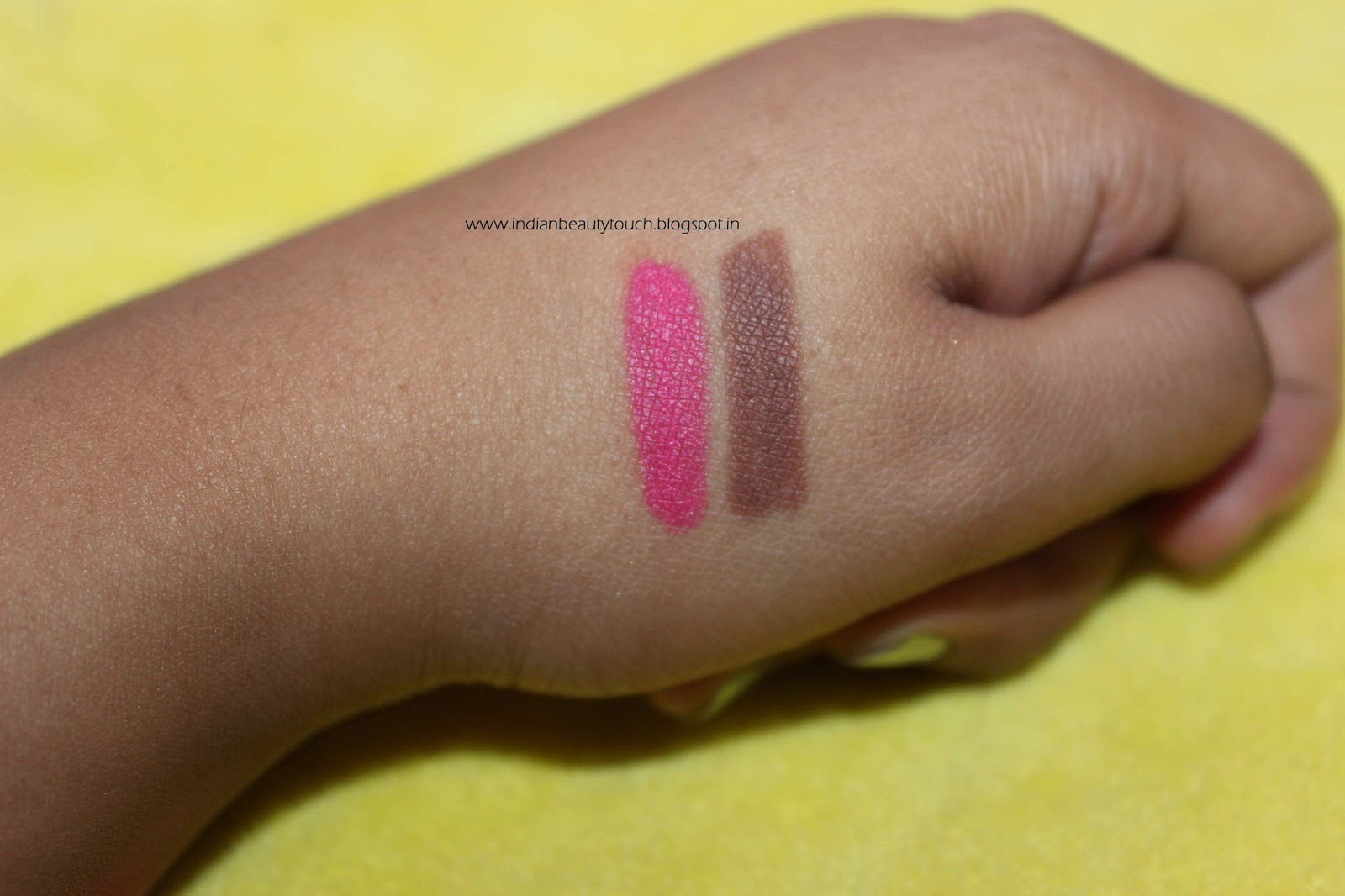 NYX lip liner pencil review in hot pink,  Nyx cosmetics , Nyx lipstick , Nyx lip liner pencil review and swatches , nyx lip liner swatches , nyx lip liner hot pink swatches , Nyx lip liner nude truffle swatches, nyx cosmetics india , makeup products review