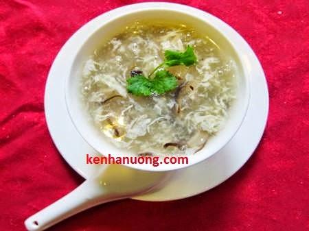 Món súp gà nấm