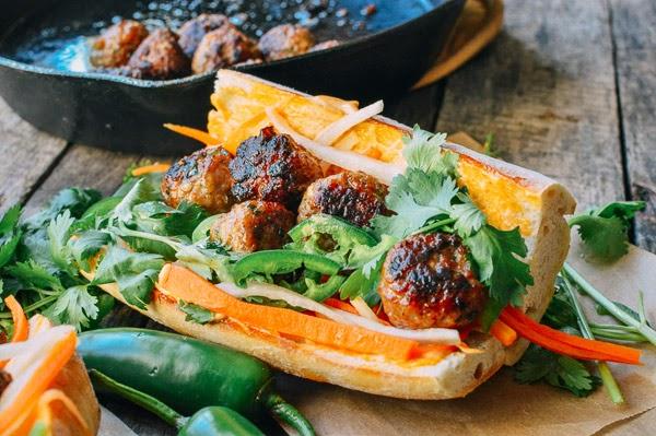 [Vietnamese Recipes] Spicy Meatball Banh Mi
