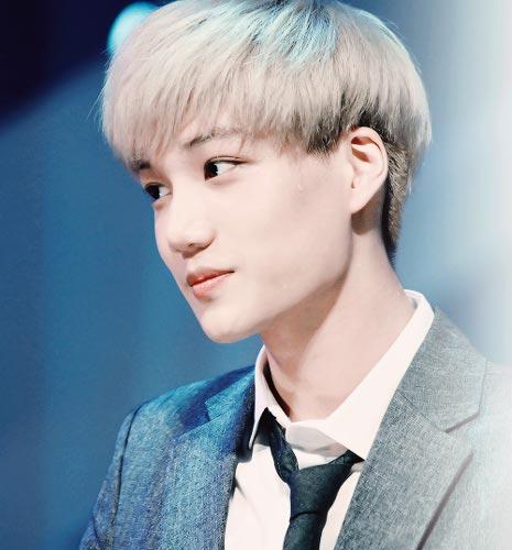 Kai EXO haircut white hair color