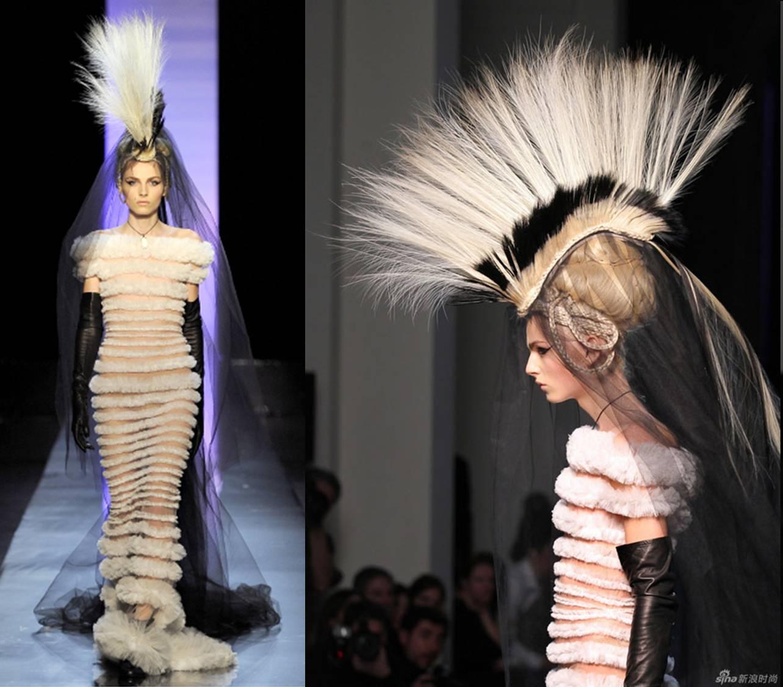 http://1.bp.blogspot.com/-oYpa5sSjZ9c/TeX5Rk0NdNI/AAAAAAAAJlg/MQjgmc2BvTc/s1600/andrej-pejic-jean-paul-gaultier-spring-2010-couture+Andrej+Pejic+dossier+censored+fhm+jules+fashion+blog.jpg