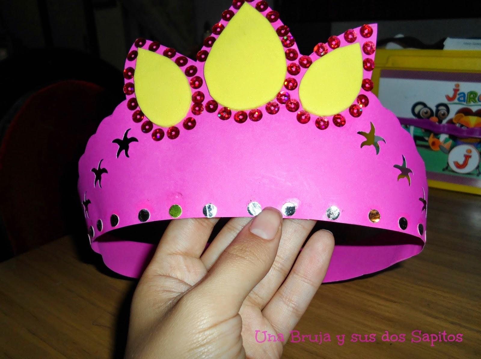 corona en cartulina