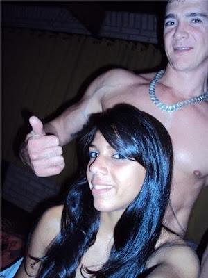 baixar Caiu na Net - Casalzinho carioca se fodeu e perdeu a cam (20 Fotos) download