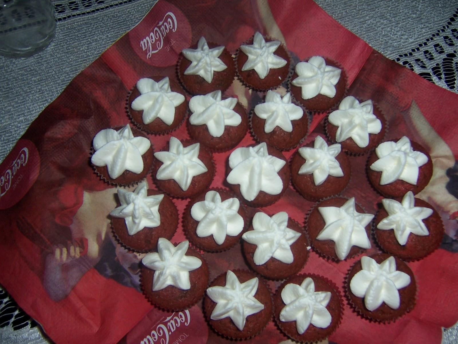 Agnus Babeczki Czerwony Aksamit Red Velvet Cupcakes