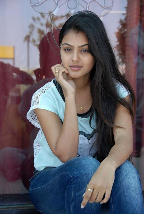 monal gajjar , monal gajjar actress pics