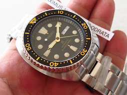 SEIKO DIVER NEW TURTLE - SEIKO DIVER SRP775 - BLACK DIAL - GOLD MARKING BEZEL - BRACELET-AUTOMATIC