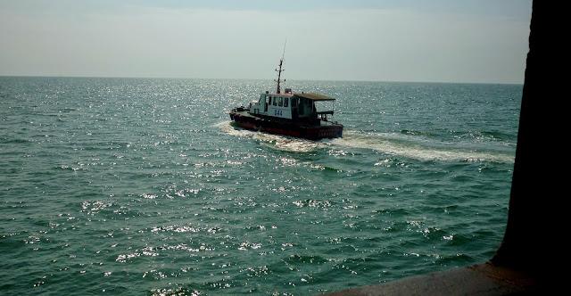 Kapal Pandu Datang