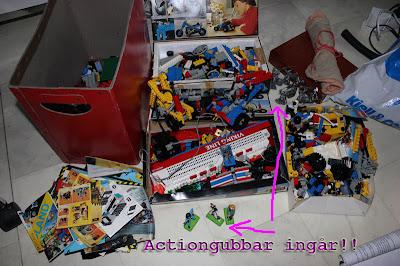 Legodelar säljes billigt. Diverse byggsatser och beskrivningar. Technics delar mm. Actionfigurer ingår också!