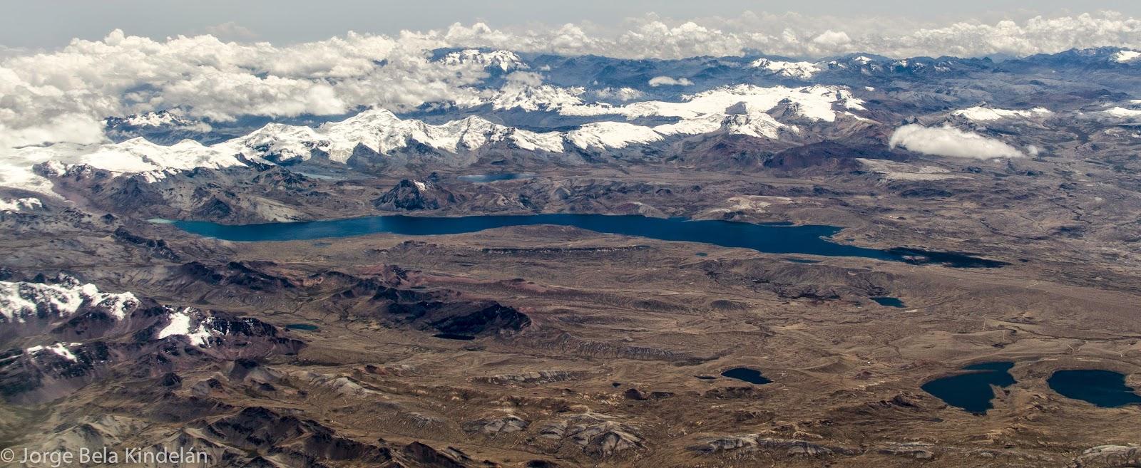 Cordillera de Cuzco desde el aire. Foto: Jorge Bela