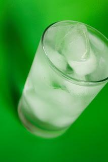 água, consumo de água, consumo consciente, tomar água, refrigerante, vida saudável, saúde, desidratação,